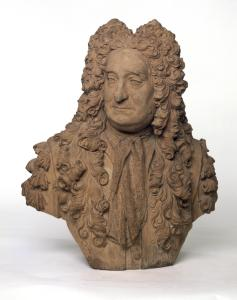 Portrait bust of Hans Sloane. He wears an elaborate period wig.